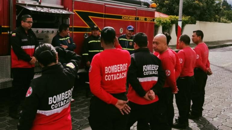 Personal de Bomberos Cotacachi recibe capacitación