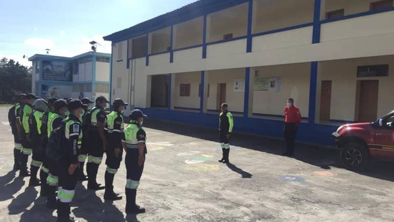 Capacitación en el tema de Primeros Auxilios a los miembros ACT Agentes Civiles de Tránsito de Santa Ana de Cotacachi.